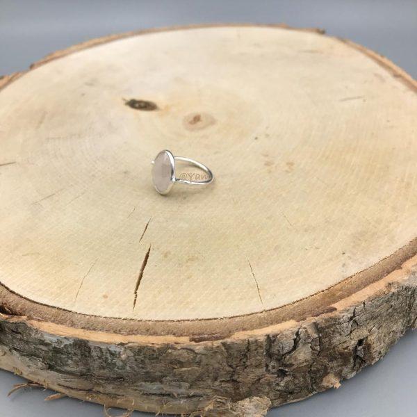 Ring-zilver-rozenkwarts-geslepen.jpg
