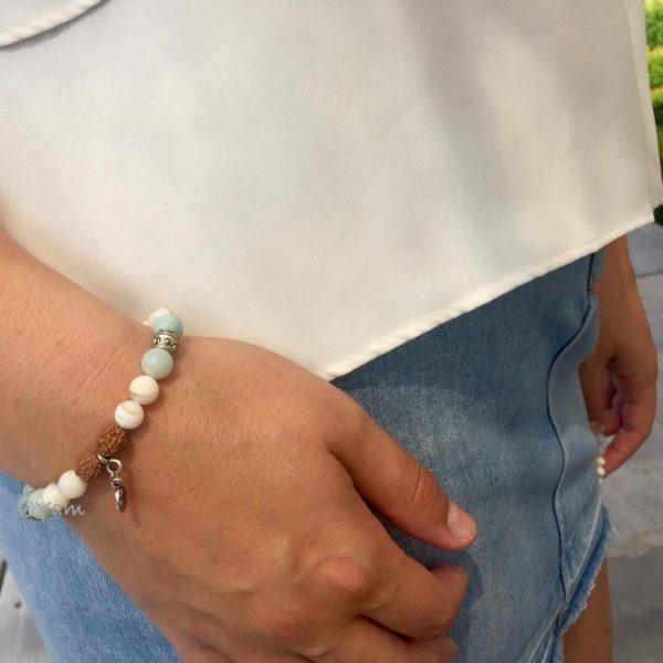 armband-model-rudraksha-parelmoer-bedel-charm-amazoniet