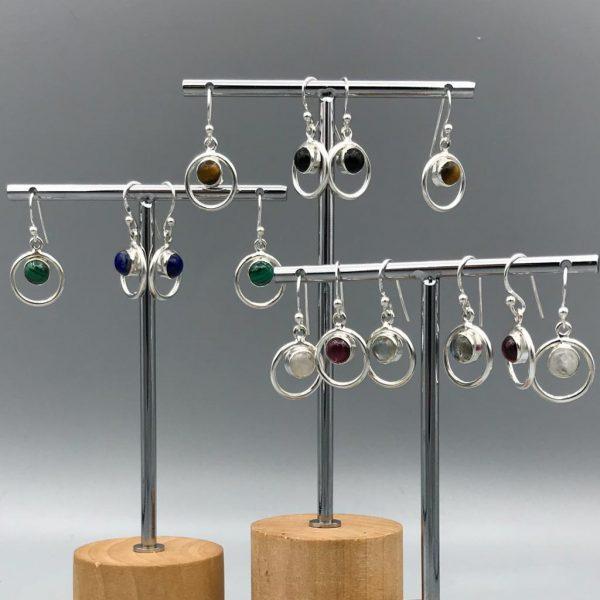 combo-oorringen-zilver-rond-in-rond-halfedelstenen