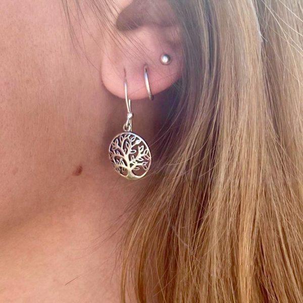 model-oorringen-earrings-treeoflife-levensboom-zilver-rond-medium-1.jpg