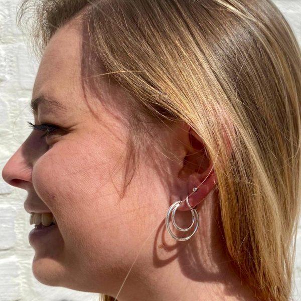 model-oorringen-rond-in-rond-puur-zilver-ringen-loops-1.jpg