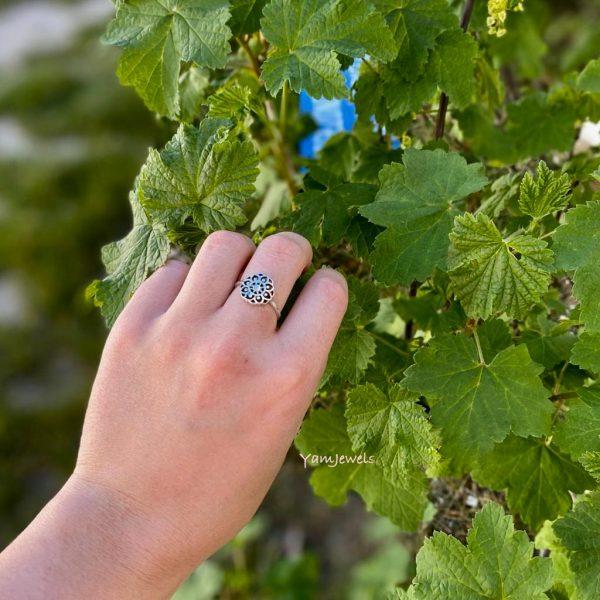 model-ring-flower-zilver