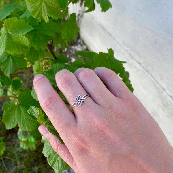 model-ring-square-zilver