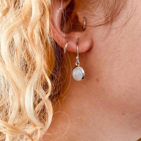 oorringen-earrings-ovaal-maansteen-zilver-2
