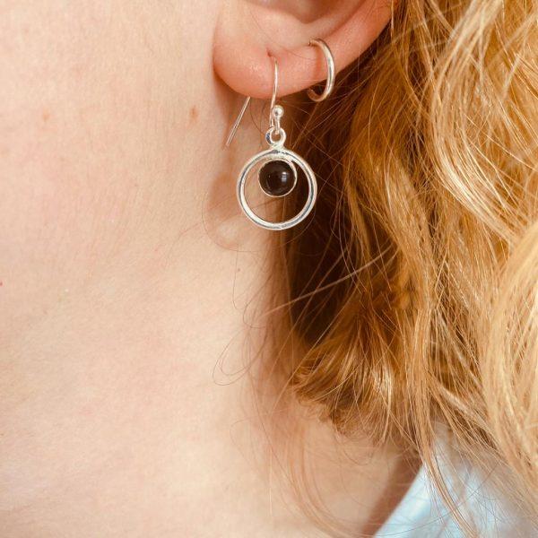 oorringen-earrings-round-in-round-onyx