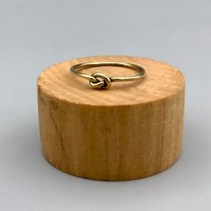 ring-brass-knoop-knot