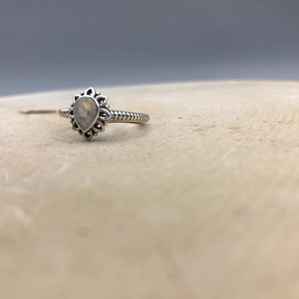 ring-drop-druppel-maansteen-1.jpg