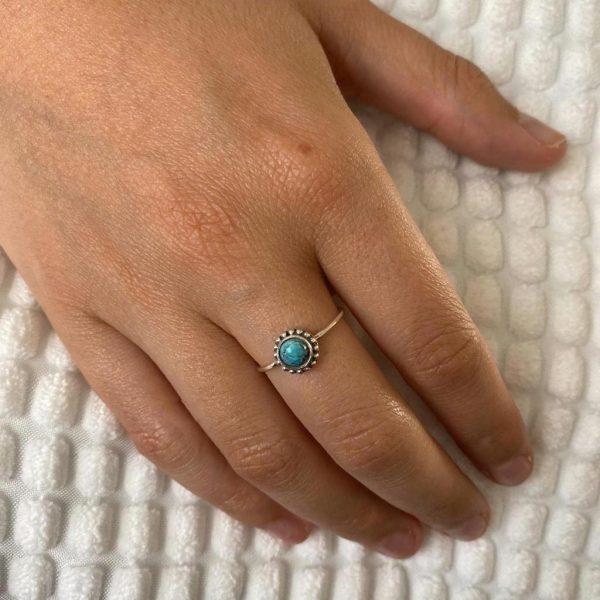 ring-model-dots-halfedelstenen-turkoois-zilver-turquoise-1.jpg
