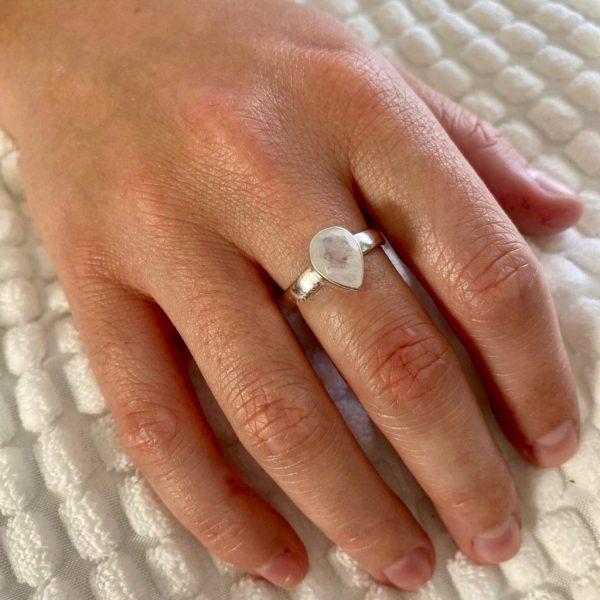 ring-model-druppel-drop-zilver-maansteen-21-1.jpg