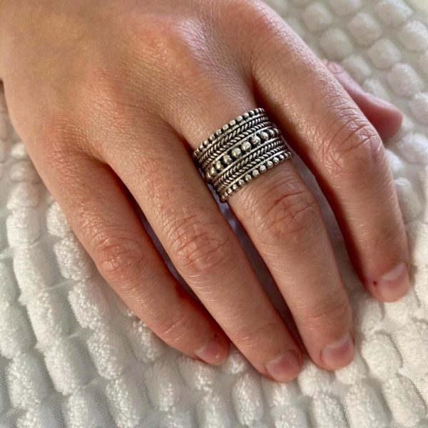 ring-model-zilver-big-is-beautiful-dots-threads-22