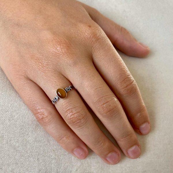 ring--model-zilver-tijgeroog-ovaal-71