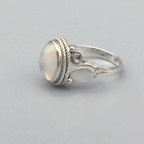 ring-ovaal-zilver-sterling-blad-maansteen