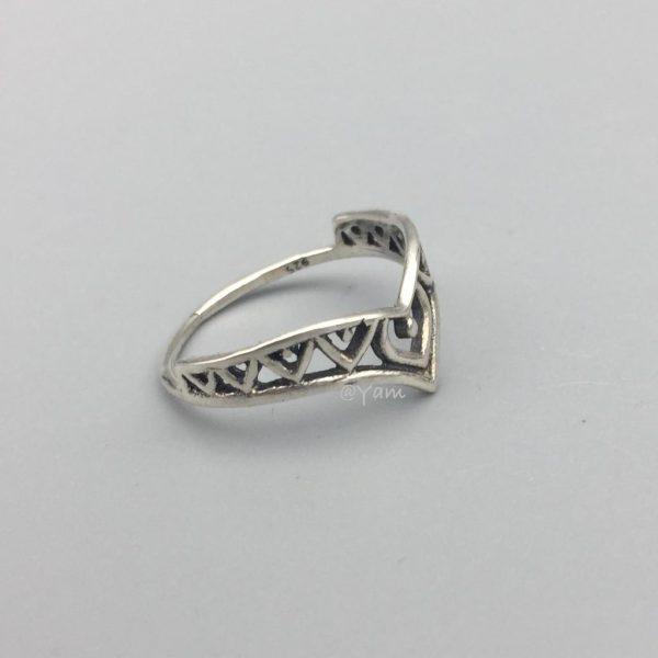 ring-sterling-zilver-v-vorm-1.jpg