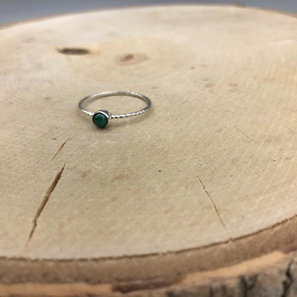 ring-zilver-gedraaid-mini-steen-turkoois.jpg