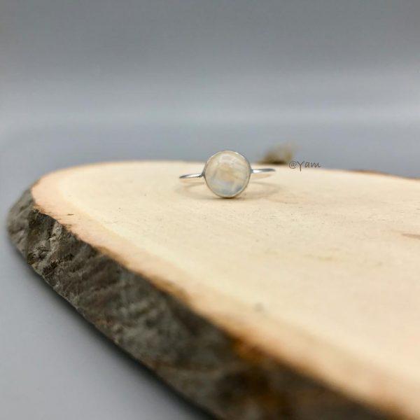 ring-zilver-medium-maansteen-.jpg