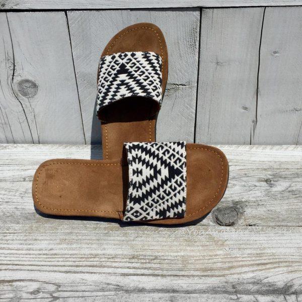 Black-white-slippers-5-1.jpg