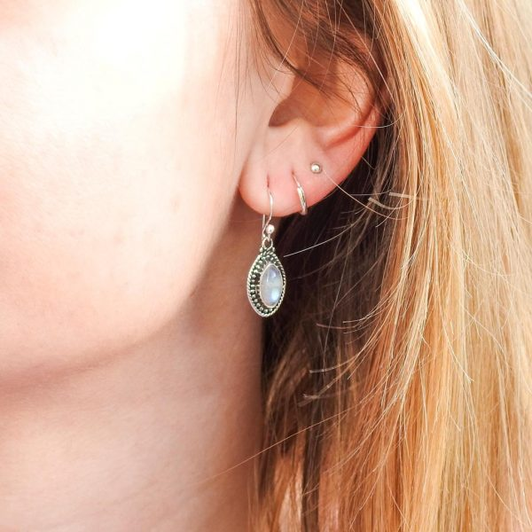 oorringen-model-earrings-maansteen-moonstone-925-elips-yamjewels