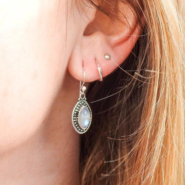 oorringen-model-earrings-moonstone-maansteen-925-elips-yamjewels