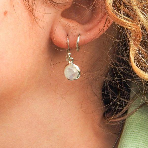 oorringen-model-moonstone-maansteen-rond-924-yamjewels