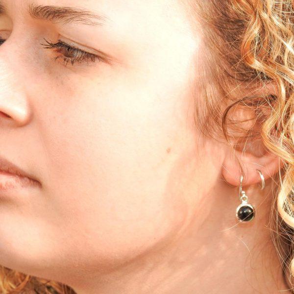oorringen-model-onyx-earrings-yamjewels-925