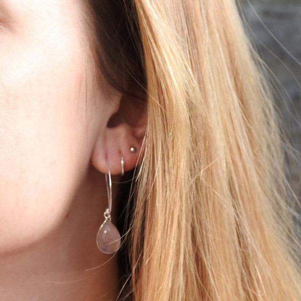 earrings-model-rosequartz-rozenkwarts-big-loop-oorringen-yamjewels